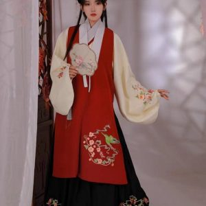Black & Red Chinese Style Female HanFu / TangZhuang Size S/XL Costume For Rent | RentSmart Asia | Renting Is The New Buying