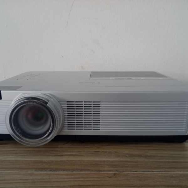CANON PROJECTOR WITH HDMI FOR RENT