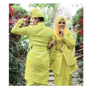 Kebaya Traditional Songket Kuning | Cultural Dresses | RentSmart Asia | Renting Is The New Buying