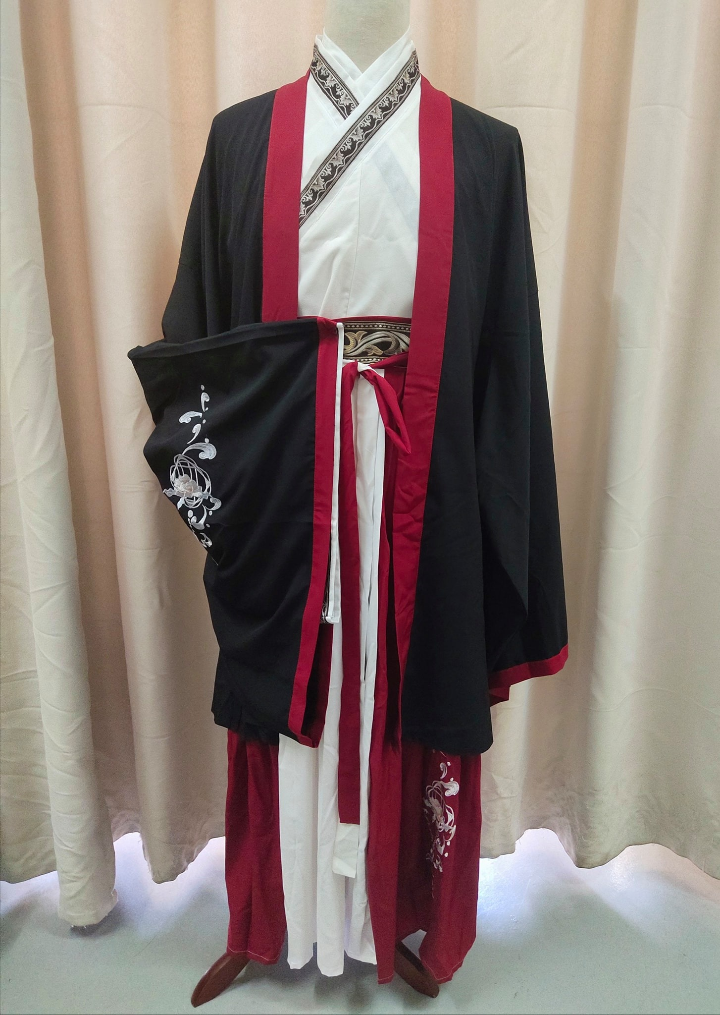 Male Chinese Traditional Hanfu Black Red White (汉服) for Rent | Costumes | RentSmart Asia | Renting Is The New Buying