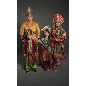 TRADITIONAL FAMILY   Traditional   RentSmart Asia   Renting Is The New Buying